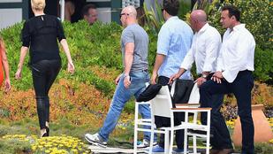 Charlize Theron felvett egy szűk nadrágot, és mindenki megőrült tőle