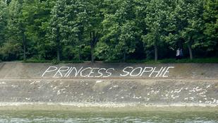 Maga ez a Sophie, akit valaki így szeret?