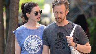 Döbbenet, megnőtt Anne Hathaway haja
