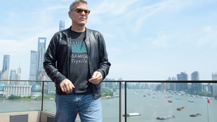 George Clooney Kínában izzad, de hol van Amal Clooney?
