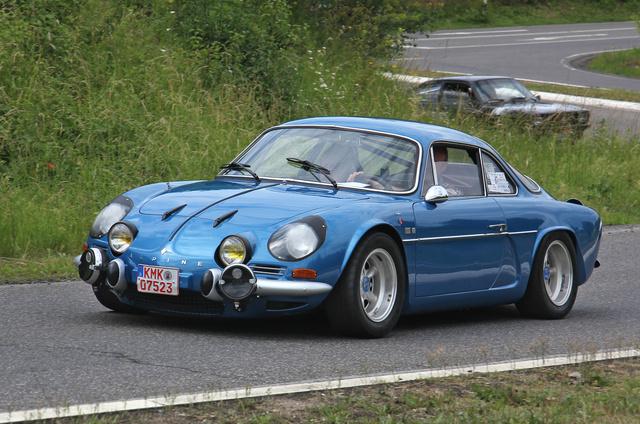 Az eredeti Alpine A110 még 1961 és 1977 között készült
