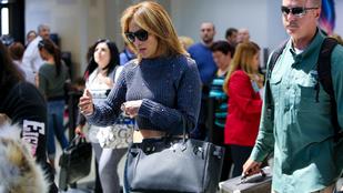 Jennifer Lopezt összekonfettizte egy őrült bohóc