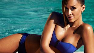 Jessica Alba veszettül jól néz ki bikiniben