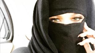 Khloé Kardashian fejkendőt viselt, nem kellett volna