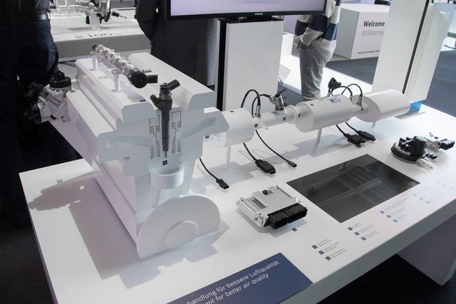 Bosch-csomag egy Euro 6-os dízelmotorhoz: befecskendező rendszer, NOx-csapda, SCR-katalizátor