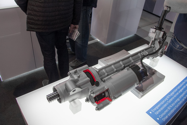 Nemrég vette meg a Bosch a ZF Lenksysteme céget, így már nekik is van villanyszervójuk mindenféle autóhoz