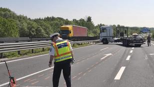 Kamion sodort el egy kocsijából kiszálló embert