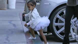 Kardashian lánya még nincs 2 éves, de már balettra járatják