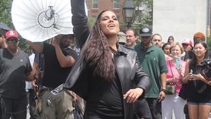 Alicia Keys megint terhes, vagy az ott egy négysajtos pizza?
