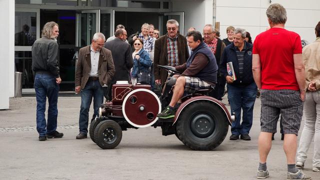 Stabilmotorból készít kistraktort a magyar