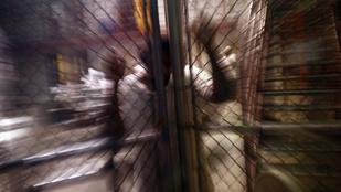 Erőszakolóval jött össze a börtönpszichológus