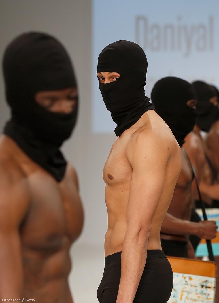 Daniyal Khan munkái és modelljei a University of Northampton végzősei által rendezett divatbemutatón