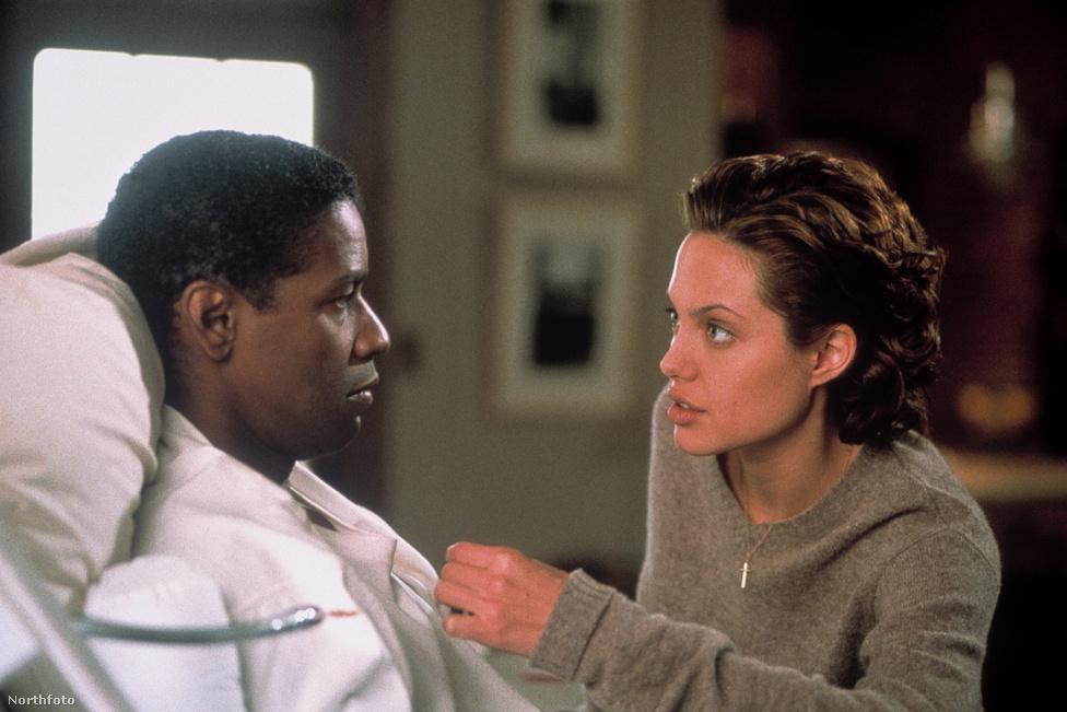A nagy áttörést az 1999-es év hozta meg neki, ekkor tűnt fel Denzel Washington oldalán A csontemberben.