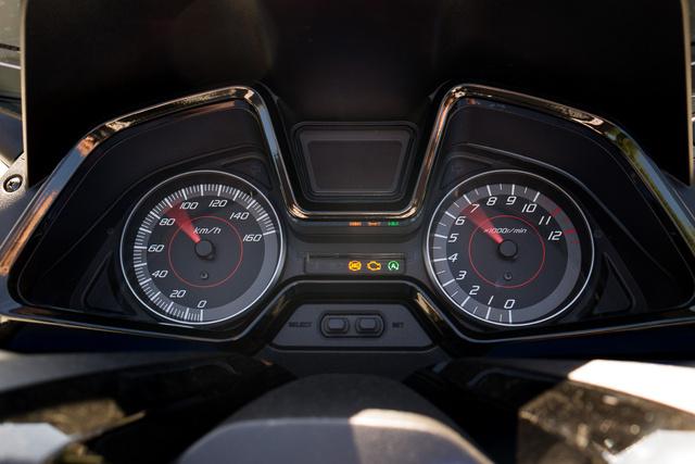 Autós műszerfal, hisz az autósoknak szól a Forza