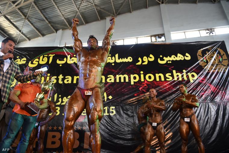 A győztesről annyit tudunk, hogy ezen a képen látható és hogy az egyik neve Mahmud
