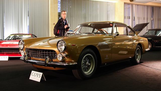 Ez a Ferrari 250 GTE is ér vagy 200-300 ezer eurót