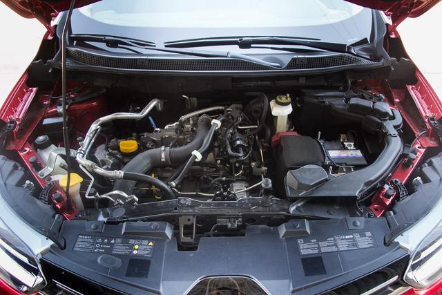 Az 1,2-es turbós benzinmotor a beugró szint a Kadjarnál