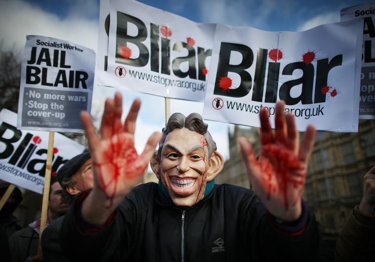 Plakát egy 2011-es londoni tüntetésről, ahol az iraki háború angol szerepvállalása ellen tiltakoztak a résztvevők.