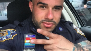 Éves fizetését kereshetné meg a testével ez a szexi testépítő rendőr