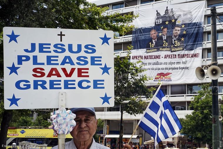 A görög szakszervezetek Athénban és több nagyvárosban tüntettek, miután az ország nemzetközi hitelezői megszorító intézkedéseket helyeztek kilátásba.