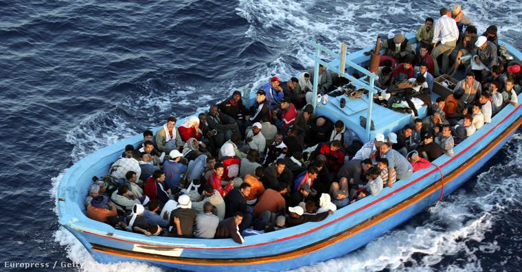 Mnekültek Lampedusa partjainál