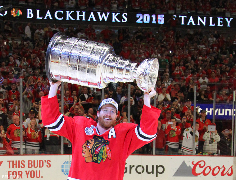 2015-06-16T033517Z 759019411 NOCID RTRMADP 3 NHL-STANLEY-CUP-FIN