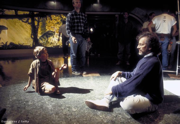 Steven Spielberg és Joe Mazzello a forgatás alatt