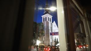 Kilenc embert mészároltak le egy dél-karolinai templomban