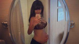 Alec Baldwin felesége két nappal szülés után pózol fehérneműben