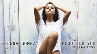 Selena Gomez egyszál pólóban dögösködik új lemezborítóján