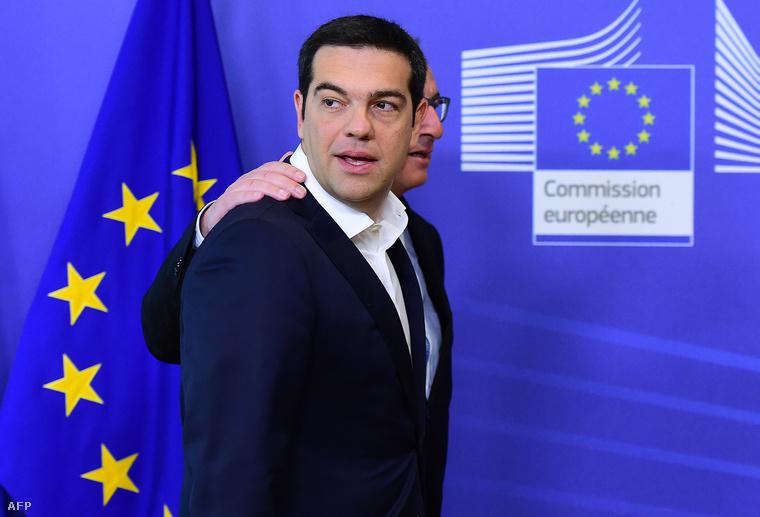 Alekszisz Ciprasz és az Európai Bizottság elnöke, Jean-Claude Juncker Brüsszelben, 2015. július 22-én.