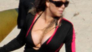 Mariah Carey-ről lecsúszott a búvárruha