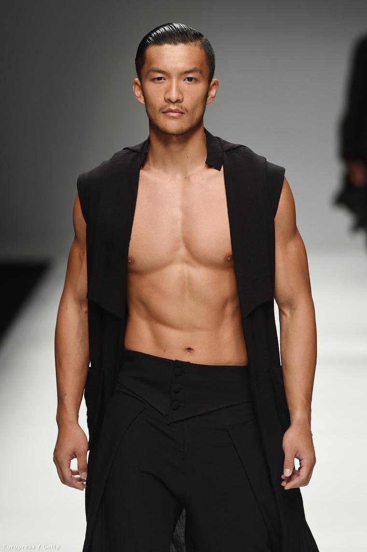 A modellek a Jiwenbo divatbemutatóján