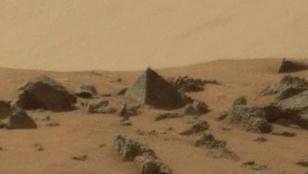 Piramist talált a Marson a NASA