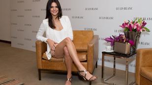 Kendall Jennerre elfelejtettek melltartót adni