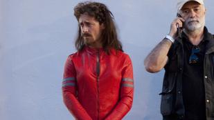 Egy szakállas férfi lett Penelope Cruz dublőre