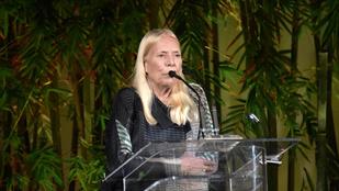 Súlyos agykárosodást szenvedett Joni Mitchell