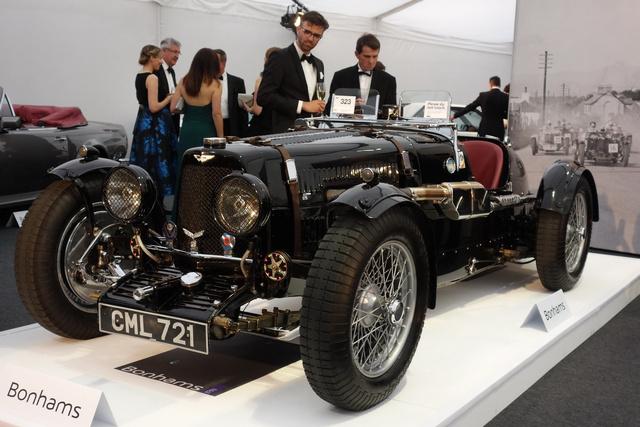 """Sokan a legjobb háború előtti sportkocsinak tartják az Aston Martin Ulstert - megint csak sokan pedig a BMW 328-ast, de nem szoktak összeverekedni a vita hevében. Ez az 1935-ös """"LM19""""-es példány a gyári csapatnál kezdte, s például Richard Seaman is versenyzett vele"""
