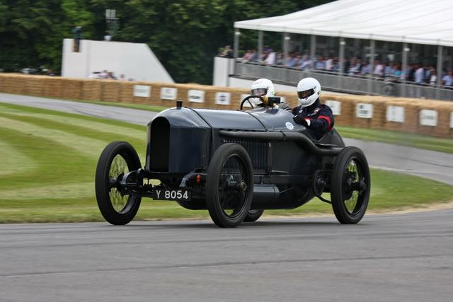"""Ez is egy Blitzen Benz, méghozzá a Benz 200 """"Hornsted"""". Nevét arról az angolról kapta, aki áramvonalasra építette át, s rekordokat döntött vele"""