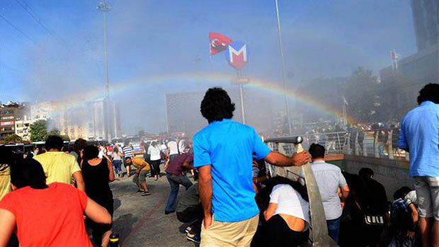 Police in Turkey try to stop Pride parade with water cannons, ac