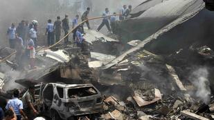 113 halottja van az indonéziai légi katasztrófának