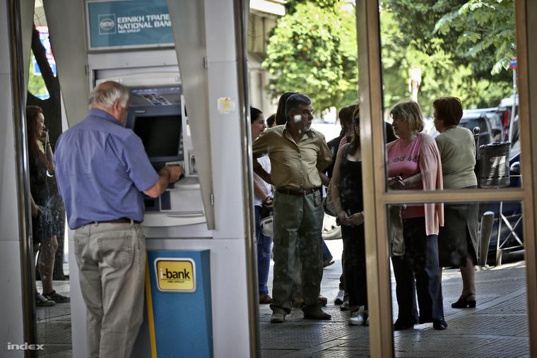 A bankok zárva, de nincs pánikhangulat