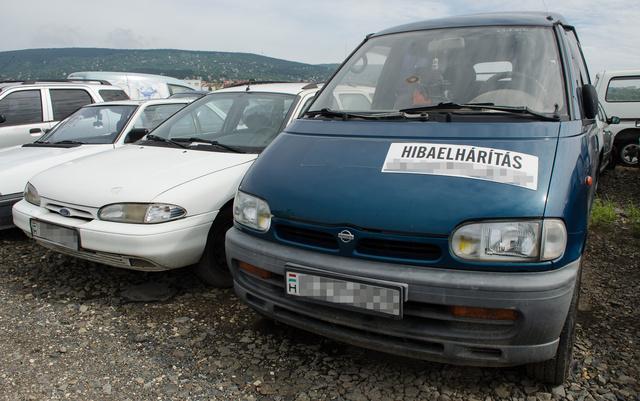 Ez a Nissan Vanette nem olyan rég még dolgos melós kisbusz lehetett