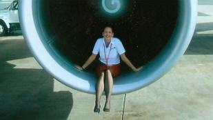Szex és balhé: kipakol egy egykori légikísérő