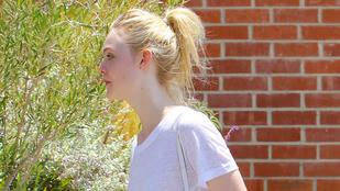 Elle Fanning nem vett melltartót a fehér pólója alá