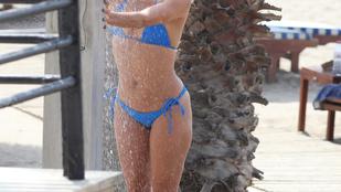 Elképzelte már Eva Longoriát tusolás közben? Na, most meg is nézheti