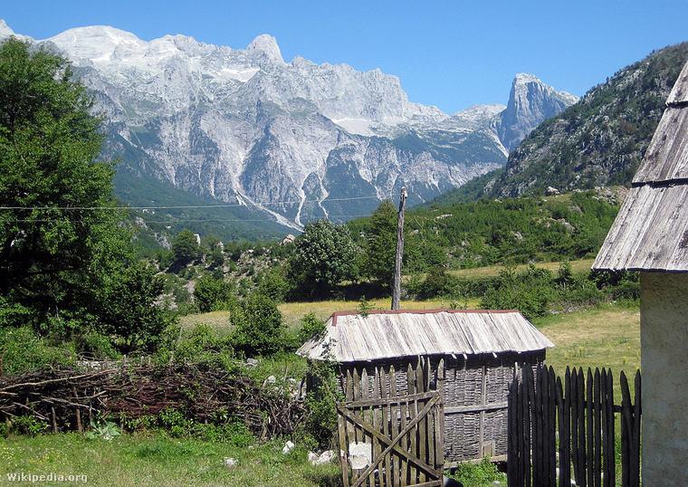 Theth Nemzeti Park forrás Wikimedia