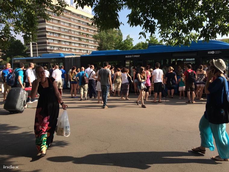 Pótlóbusz közlekedik a Nagyvárad tér és Kőbánya-Kispest között