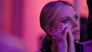 Kínos: Charlize Theron és Sean Penn kénytelenek újra találkozni