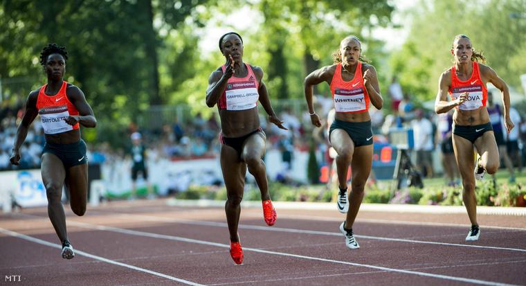 A későbbi győztes jamaikai Veronica Campbell-Brown (b2) az amerikai Kaylin Whitney (j2) az amerikai Charonda Williams (b) és a bolgár Ivet Lalova